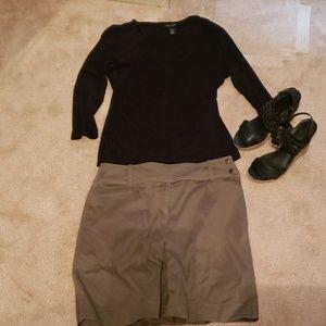 Olive New York & Co. Side Snap Skirt, Size 8.